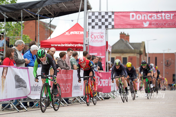 Pix: Shaun Flannery/shaunflanneryphotography.com<br /> <br /> COPYRIGHT PICTURE&gt;&gt;SHAUN FLANNERY&gt;01302-570814&gt;&gt;07778315553&gt;&gt;<br /> <br /> 19th June 2016<br /> Doncaster Cycle Festival 2016<br /> Whinfrey Briggs Elite Men&rsquo;s Race<br /> Sponsored by Whinfrey Briggs