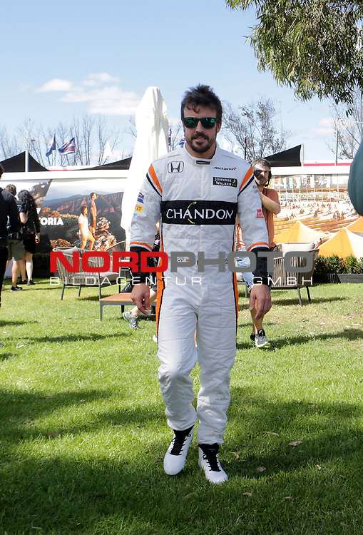 23.03.- 26.03.2017 Albert-Park-Circuit, Melbourne, AUS, F1, Formula 1 Rolex Australien Grand Prix, Race01, im Bild <br /> <br /> Fernando Alonso (SPA#14), McLaren Honda beim offiziellen Fotoshooting der FIA <br /> <br /> Foto &copy; nordphoto / Bratic