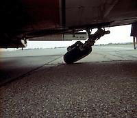 Travair luchthaven Deurne. Ongeval met vliegtuig OO-TNT. Piper PA.34-200 Seneca.   Luchthaven Deurne.  Ongeval met vliegtuig OO-TNT in juli 1975.