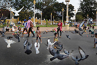 March 06, 2015 - Phnom Penh, Cambodia. Families in front of the Royal Palace. © Nicolas Axelrod / Ruom