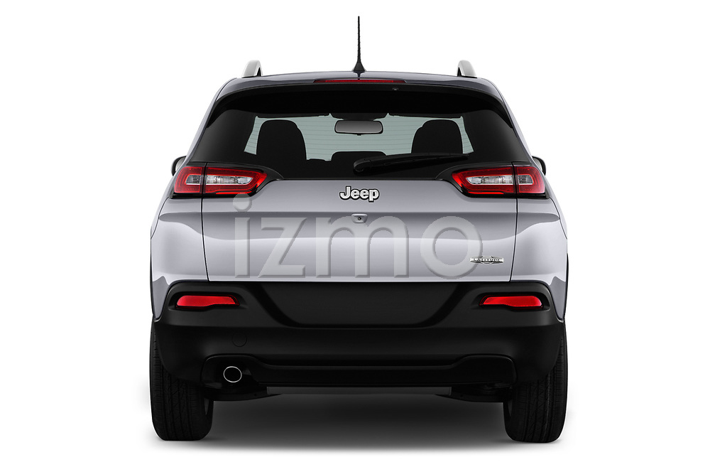 Straight rear view of a 2018 Jeep Cherokee Latitude 5 Door SUV stock images