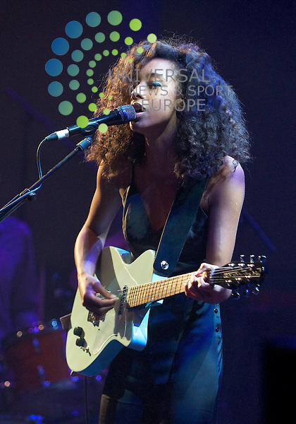 Corinne Bailey Rae @ the Queens hall Edinburgh.  Pictures by Bob Mather/Universal..All pictures must be credited to www.universalnewsandsport.com (Office) 0844 884 51 22