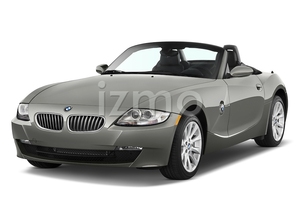 Front three quarter view of a 2008 BMW Z4 Roadster with the top down.