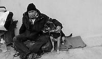 SDF dans les rues de Nice. Georges, 63 ans, dans la rue depuis 19 ans. Droit ‡ l'image signÈ. # SANS DOMICILE FIXE DANS LES RUES DE NICE