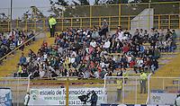 BOGOTÁ -COLOMBIA, 11-02-2015. Aspecto de los hinchas de Equidad durante el encuentro entre La Equidad y Envigado FC por la fecha 3 de la Liga Águila I 2015 jugado en el estadio Metropolitano de Techo de la ciudad de Bogotá./ Fans of Equidad during the match between La Equidad and Envigado FC for the third date of the Aguila League I 2015 played at Metropolitano de Techo stadium in Bogotá city. Photo: VizzorImage/ Gabriel Aponte / Staff