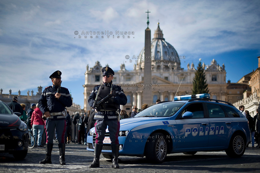 Vatican City, Vatican, November 22, 2015. Italian police  patrol St. Peter's Square on the occasion of the Pope Francis' Angelus noon prayer. intelligence services have warned the Vatican that it could be the next target for Islamist terrorists after last week's attacks in France have prompted alarm in Rome. (Antonello Nusca/Polaris)