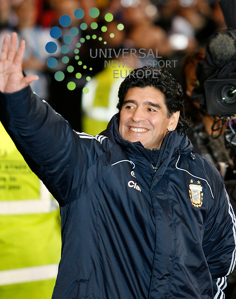 Scotland V Argentina International Challenge Match. Season 2008/09 ..19/11/08.. Argentina legend and now National Coach Diego Maradona hails the fans  during  this weeks International Challenge match between Scotland and Argentina. .At Hampden Park Stadium,  Glasgow tonight...Picture by Mark Davison/ Universal News & Sport...All pictures must be credited to www.universalnewsandsport.com.(0ffice) 0844 884 51 22. ........... .