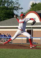 July 19, 2003:  Pitcher Julio DelaCruz of the Batavia Muckdogs, Class-A affiliate of the Philadelphia Phillies, during a NY-Penn League game at Dwyer Stadium in Batavia, NY.  Photo by:  Mike Janes/Four Seam Images