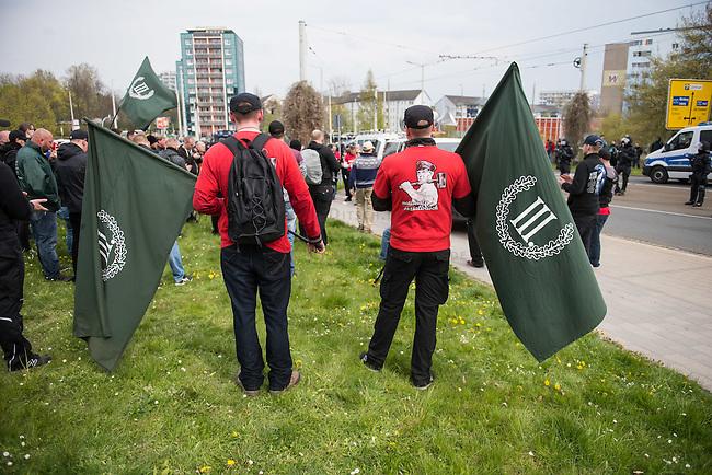Ca. 1000 Nazis aus ganz Deutschland marschierten am Sonntag den 1. Mai 2016 im Saeschsichen Plauen auf. Die Naziorganisation 3.Weg hatte den Marsch angemeldet. Etliche Nazis waren dabei vermummt und zeigten auch den Hitlergruss, die Polizei schritt jedoch nicht ein.<br /> Nach der Haelfte der Marschroute beendeten die Nazis ihre Demonstration, da die Polizei die Marschroute verkuerzen wollte. Sie forderten die Polizei auf den Weg freizugeben. Danach griffen Aufmarschteilnehmer die Polizei an, die daraufhin Wasserwerfer, Pfefferspray, Traenengas und Schlagstoecke einsetzte. Mehrere Gruppen Nazis zogen danach durch Plauen und jagten Menschen.<br /> Nach einer Stunde bekamen die Nazis einen erneuten Aufmarsch von der Polizei genehmigt und zogen zurueck zum Bahnhof.<br /> 1.5.2016, Plauen<br /> Copyright: Christian-Ditsch.de<br /> [Inhaltsveraendernde Manipulation des Fotos nur nach ausdruecklicher Genehmigung des Fotografen. Vereinbarungen ueber Abtretung von Persoenlichkeitsrechten/Model Release der abgebildeten Person/Personen liegen nicht vor. NO MODEL RELEASE! Nur fuer Redaktionelle Zwecke. Don't publish without copyright Christian-Ditsch.de, Veroeffentlichung nur mit Fotografennennung, sowie gegen Honorar, MwSt. und Beleg. Konto: I N G - D i B a, IBAN DE58500105175400192269, BIC INGDDEFFXXX, Kontakt: post@christian-ditsch.de<br /> Bei der Bearbeitung der Dateiinformationen darf die Urheberkennzeichnung in den EXIF- und  IPTC-Daten nicht entfernt werden, diese sind in digitalen Medien nach &sect;95c UrhG rechtlich geschuetzt. Der Urhebervermerk wird gemaess &sect;13 UrhG verlangt.]