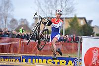 WIELRENNEN: SURHUISTERVEEN: 02-01-2014, <br /> Centrumcross, winnaar Lars van der Haar, &copy;foto Martin de Jong