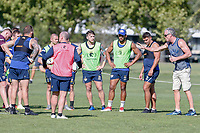 Picture by Brendon Ratnayake/SWpix.com - 14/02/2018 - Rugby League - Dacia World Club Challenge - Melbourne Storm v Leeds Rhinos - Gosch's Paddock, Melbourne, Australia - Coach of Leeds Rhinos Brian McDermott coaching the players