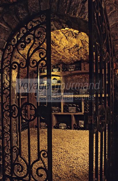 Europe/France/Bourgogne/21/Côte d'Or/Nuits Saint Georges: Les caves de la maison Charles Vienot - Grille à l'entrée du caveau [Non destiné à un usage publicitaire - Not intended for an advertising use]