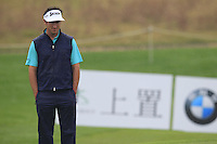 Gonzalo Fernandez-Castano (ESP) at the 1st green during Thursday's Round 1 of the 2014 BMW Masters held at Lake Malaren, Shanghai, China 30th October 2014.<br /> Picture: Eoin Clarke www.golffile.ie