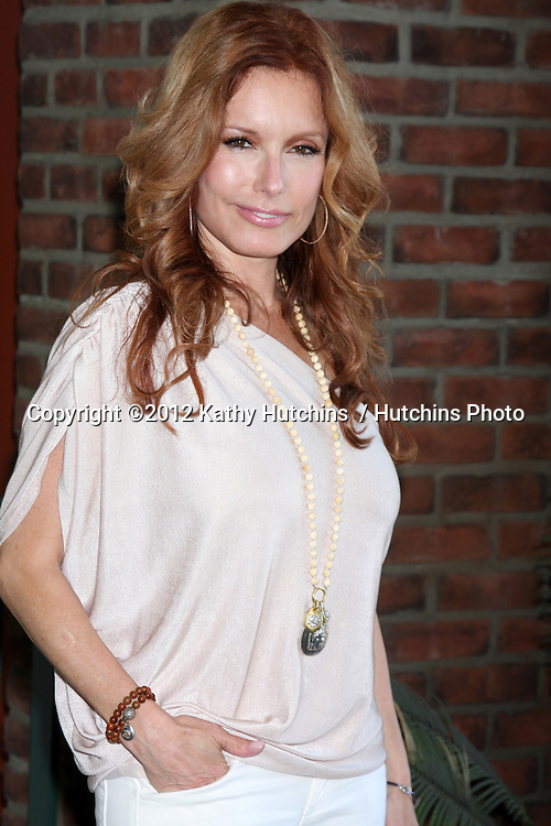 LOS ANGELES - AUG 18:  Tracey Bregman at the book signing for William Bell Biography at Barnes & Noble on August 18, 2012 in Ventura, CA