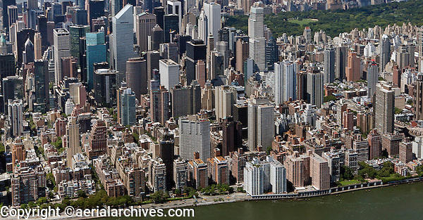 aerial photograph Franklin D. Roosevelt East River FDR drive, midtown Manhattan, New York City