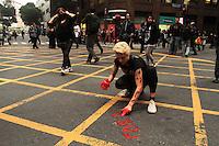 RIO DE JANEIRO, RJ, 31.10.2013 - GRITO DA LIBERDADE - Passeata pelo fim do momento de exceção ao qual o Rio de Janeiro tem sido submetido e contra a aplicação das leis de Segurança Nacional e Crime Organizado contra manifestantes no centro nessa quinta 31. (Foto: Levy Ribeiro / Brazil Photo Press)