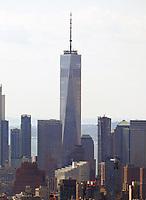 Blick vom Top of the Rock im Rockefeller Center in Richtung World Trade Center und Freedom Tower - 11.04.2018: Sightseeing in New York