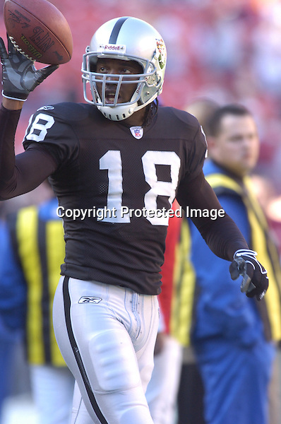 20 November 2005: Randy Moss..The Oakland Raiders defeated the Washington Redskins 16-13  at FedEx Field in Landover, MD.
