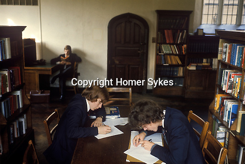 Royal Guildford Grammer School. Boys working in the school library. 1980s