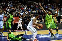 GRONINGEN - Basketbal, Donar - Dinamo Sassari, Martiniplaza, Europe Cup, seizoen 2018-2019, 12-12-2018, Donar speler Lance Jeter met Sassari  speler  Dyshawn Pierre