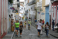 SALVADOR, BA, 17.04.2015 - PELOURINHO-BA - Imagem de arquivo de Movimentação de turistas no Pelourinho, Centro Histórico de Salvador (BA).  (Foto: Joá Souza / Brazil Photo Press).