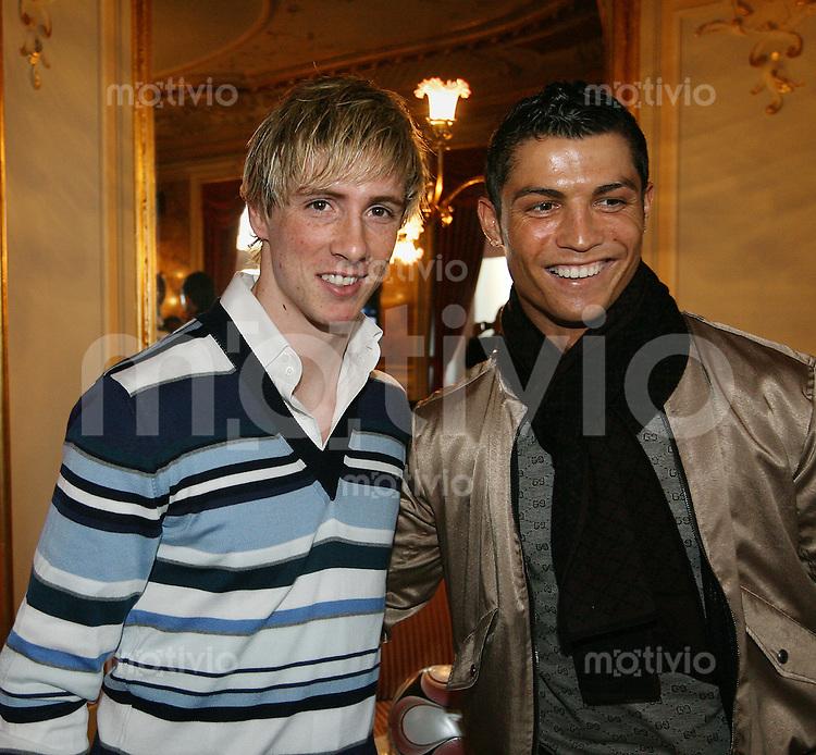 Fussball International  FIFA Gala  FIFA Weltfussballer 2008   12.01.2009 Cristiano Ronaldo (re,POR) und Fernando Torres  (ESP)