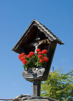 Oesterreich, Kaernten, Millstaetter See, oberhalb Millstatt: Bildstock an der Lammersdorfer Huette | Austria, Carinthia, above Lake Millstatt: wayside shrine at Lammersdorfer Hut