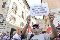 Roma, 24 Agosto 2011.Piazza Navona.CGIL davanti al Senato contro la manovra economica..Interviene la segretaria Susanna Camusso
