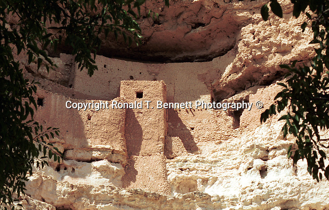 Montezuma Castle National Monument Camp Verde Arizona, Southwestern United States, Cliff dwelling, Pre-Columbian Sinagua people 700AD, Fine art and stock photography by Ronald T. Bennett Photography ©, RonBennettPhotography.com, RonBennettPhotography.net, Fine Art Photography by Ron Bennett, Fine Art, Fine Art photography, Art Photography, Copyright RonBennettPhotography.com © Fine Art Photography by Ron Bennett, Fine Art, Fine Art photography, Art Photography, Copyright RonBennettPhotography.com ©