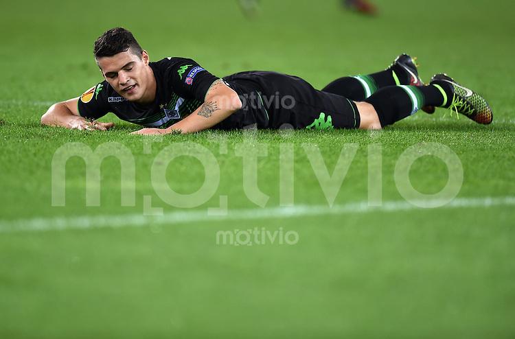 FUSSBALL   INTERNATIONAL   UEFA EUROPA LEAGUE   SAISON 2014/2015 FC Zuerich - VfL Borussia Moenchengladbach    02.10.2014 Granit Xhaka (Borussia Moenchengladbach) am Boden