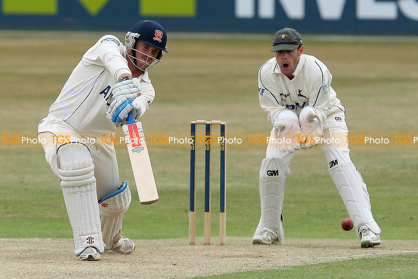 John Maunders in batting action for Essex as Chris Read looks on - Essex CCC vs Nottinghamshire CCC - LV County Championship Cricket at the Ford County Ground, Chelmsford, Essex -  06/07/10 - MANDATORY CREDIT: Gavin Ellis/TGSPHOTO - Self billing applies where appropriate - Tel: 0845 094 6026