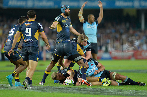 16.04.2016. Allianz Stadium, Sydney, Australia. Super Rugby. Waratahs versus Brumbies. The Brumbies retrieve the ball in the final minutes to thwart the Waratahs last minute attack. The Brumbies won 26-20.