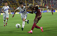 IBAGUE - COLOMBIA, 08-03-2020:Omar Albornoz del  Deportes Tolima disputa el balón con  Santiago Roa de Patriotas Boyacá en partido por la fecha 8 de la Liga BetPlay I 2020 jugado en el estadio Manuel Murillo Toro de la ciudad de Ibagué. /Omar Arbornoz del Deportes Tolima fights the ball agaisnt of Santiago Roa Patriotas Boyaca in match for the date 8 as part of BetPlay League I 2020 played at Manuel Murillo Toro stadium in Ibague. Photo: VizzorImage / Felipe Caicedo / Staff