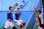 25.11.2017, ZF Arena, Friedrichshafen<br />Volleyball, DVV-Pokal Viertelfinale, VfB Friedrichshafen vs. SVG LŸneburg / Lueneburg<br /><br />Angriff Philipp Collin (#9 Friedrichshafen) - Block / Doppelblock Raymond Szeto (#11 Lueneburg), Noah Baxpšhler / Baxpoehler (#4 Lueneburg)<br /><br />  Foto &copy; nordphoto / Kurth