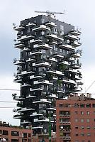 Milano, quartiere Porta Nuova Isola. Bosco Verticale --- Milan, Porta Nuova Isola district. Skyscraper Bosco Verticale