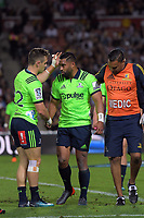 Fletcher Smith (left) replaces injured Highlanders flyhalf Lima Sopoaga during the Super Rugby match between the Chiefs and Highlanders at FMG Stadium in Hamilton, New Zealand on Friday, 30 March 2018. Photo: Dave Lintott / lintottphoto.co.nz