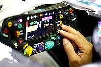 MELBOURNE, AUSTRALIA, 15.03.2014 - F1 - GP DA AUSTRALIA - O piloto britanico Lewis Hamilton da quipe Petronas GP é visto durante a sessão de qualificação do Grande Prêmio de Fórmula 1 da Austrália, realizada no Circuito de Albert Park, em Melbourne, na Austrália , neste sábado. (Foto: Pixathlon / Brazil Photo Press).