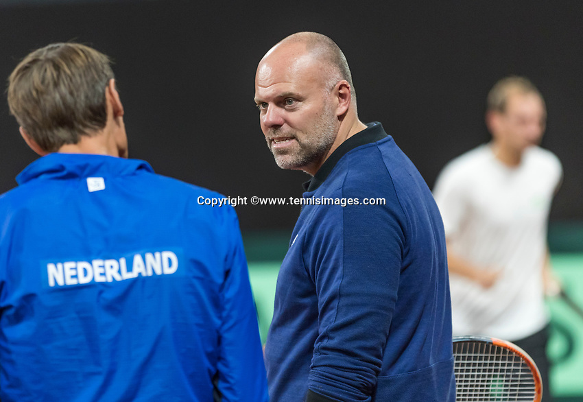 The Hague, The Netherlands, September 11, 2017,  Sportcampus , Davis Cup Netherlands - Chech Republic, training,   coach Raymond Knaap (NED) in conversation with Captain Paul Haarhuis (NED)<br /> Photo: Tennisimages/Henk Koster