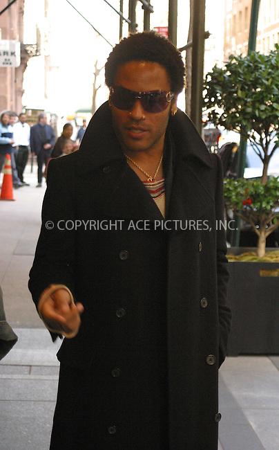 WWW.ACEPIXS.COM . . . . .  ....NEW YORK, APRIL 21, 2005....Lenny Kravitz is seen leaving his upper east side hotel.....Please byline: PAUL CUNNINGHAM - ACE PICTURES..... *** ***..Ace Pictures, Inc:  ..Craig Ashby (212) 243-8787..e-mail: picturedesk@acepixs.com..web: http://www.acepixs.com