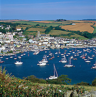 Great Britain, England, Devon, Salcombe: Kingsbridge Estuary, popular with sailors and holiday makers | Grossbritannien, England, Devon, Salcombe: der Kingsbridge Estuary, beliebtes Segelrevier