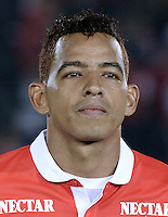 BOGOTÁ -COLOMBIA, 24-01-2014. Wilder Medina jugador de Santa Fe previo al encuentro entre Independiente Santa Fe e Itaguí por la fecha 1 Liga Postobón  I 2014 disputado en el estadio el Campín de la ciudad de Bogotá./ Wilder Medina player of Santa Fe prior a match between Independiente Santa Fe and Itagui for the first date for the Postobon  League I 2014 played at El Campin stadium in Bogotá city. Photo: VizzorImage/ Gabriel Aponte / Staff