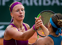 Paris, France, 29 May, 2018, Tennis, French Open, Roland Garros, Kiki Bertens (NED) gets congratulated by Aryna Sabalenka (BLR)<br /> Photo: Henk Koster/tennisimages.com