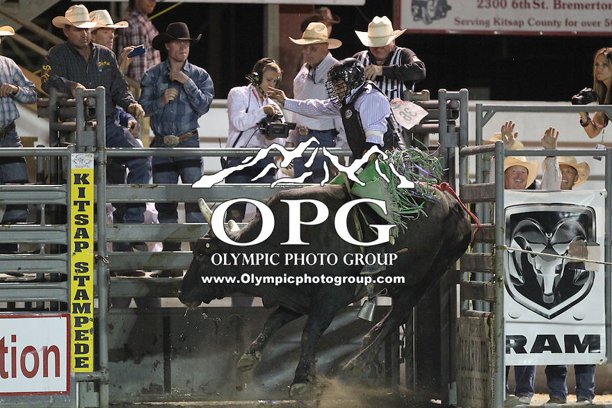 2013-08-21: Jordan Wacey Spears score a 84 to win the Kitsap County Stampede & Xtreme Bulls finals competition in Bremerton, Washington.