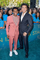 Camrus Johnson und Charles Melton bei der Weltpremiere des Kinofilms 'The Sun Is Also a Star' in den Pacific Theaters at the Grove. Los Angeles, 13.05.2019