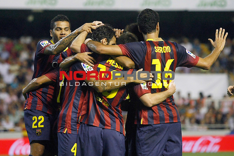 FC Barcelona's Pedro Rodriguez, Leo Messi, Cesc Fabregas, Neymar Santos Jr, Sergio Busquets and Daniel Alves celebrate goal during La Liga match.September 1,2013. Foto © nph / Acero)