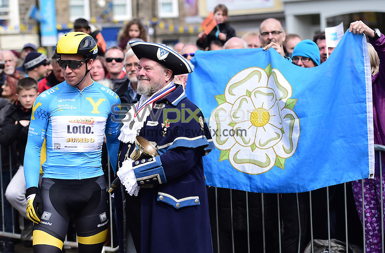 Picture by Alex Broadway/SWpix.com - 30/04/2016 - Cycling - 2016 Tour de Yorkshire: Otley to Doncaster - Yorkshire, England - Lotto NL Jumbo's Dylan Groenewegen poses for a photograph with the Otley Town Crier.