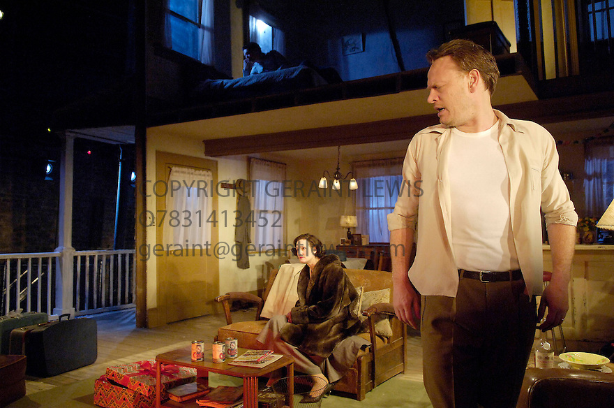 Period of Adjustment by Tennessee Williams directed by Howard Davies. WEith Jared Harris ,Sandy McDade. Opens at the Almeida Theatre on 16/3/06. CREDIT Geraint Lewis