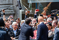 Matteo Renzi a Milano per Expo 2015 saluta i suoi sostenitori. Milano, 13 Maggio, 2014             Matteo Renzi, the italian prime minister, in Milan for Expo 2015, shakes hands to his supporters. Milan, May 13, 2014