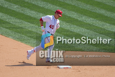 7 August 2016: Washington Nationals catcher Wilson Ramos rounds the bases after hitting a solo home run in the 7th inning against the San Francisco Giants at Nationals Park in Washington, DC. The Nationals shut out the Giants 1-0 to take the rubber match of their 3-game series. Mandatory Credit: Ed Wolfstein Photo *** RAW (NEF) Image File Available ***