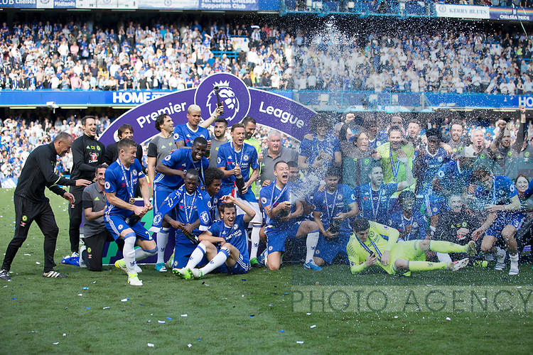 Chelsea's players celebrates with the trophy during the Premier League match at Stamford Bridge Stadium, London. Picture date: May 18th, 2017. Pic credit should read: David Klein/Sportimage